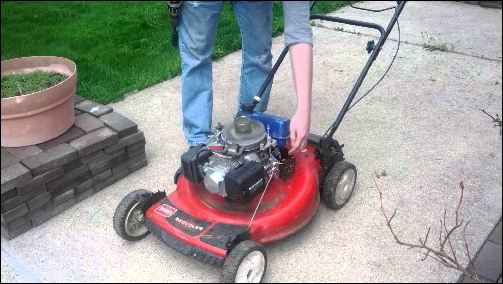 Harbor Freight Mower : Harbor freight lawn mower engine the garden